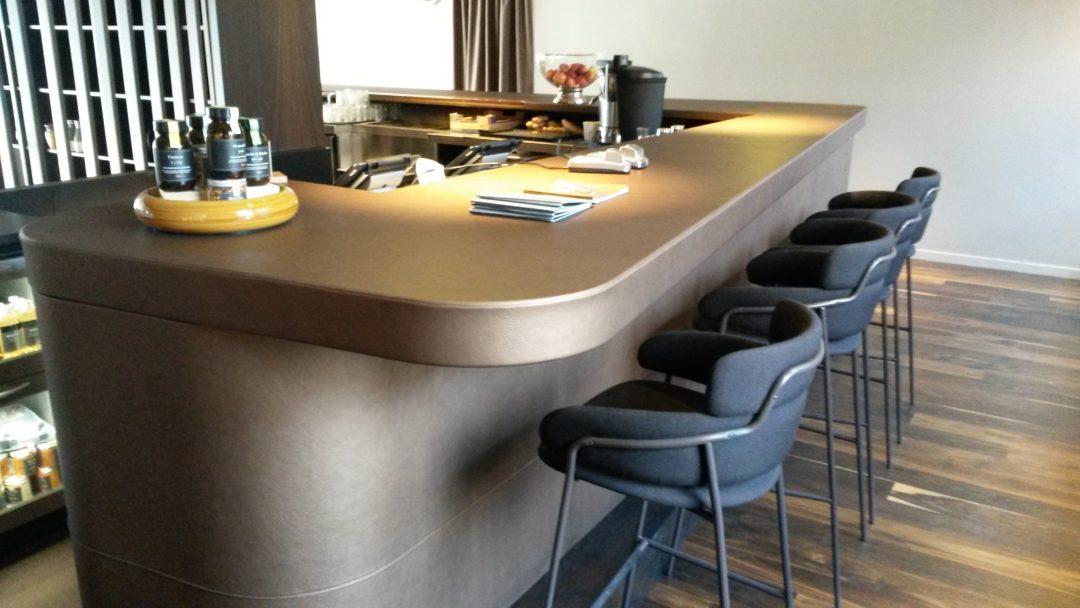 Specialbygget bar